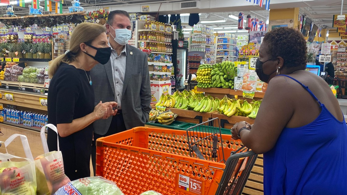 Lt. governor visits Latinx businesses in New Britain