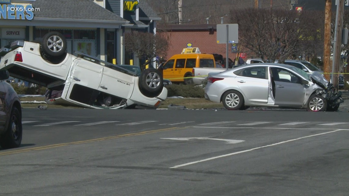 Man arrested in shooting, crash that closed Tunxis Hill Road and Villa Avenue intersection in Fairfield