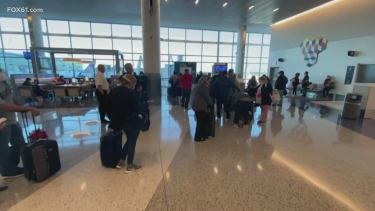 Travel experts warn holiday airfare expected to rise