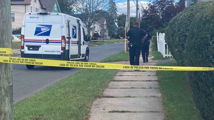 Postal carrier stabbed in Hartford, suspect detained: police