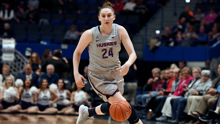 UConn guard Anna Makurat to transfer from Huskies