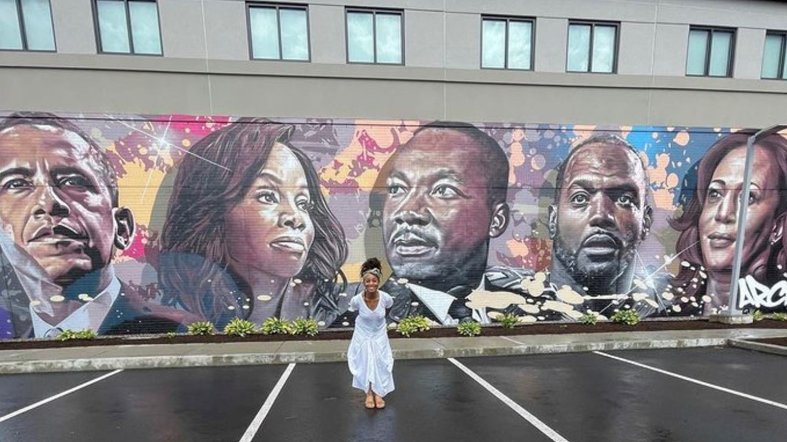 'Thank you for not forgetting me'   Actress, Bloomfield-native Anika Noni Rose returns home for unveiling of Black excellence mural