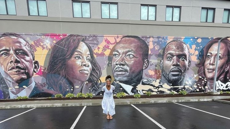 'Thank you for not forgetting me' | Actress, Bloomfield-native Anika Noni Rose returns home for unveiling of Black excellence mural