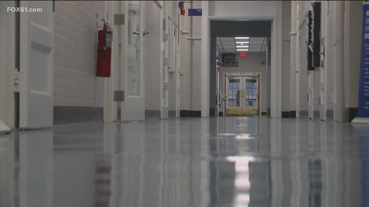 Lamont announces proposal expanding school choice program to Danbury, Norwalk