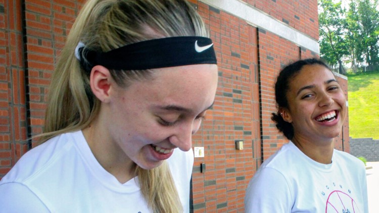 Bueckers and Fudd bring friendship, competitiveness to UConn