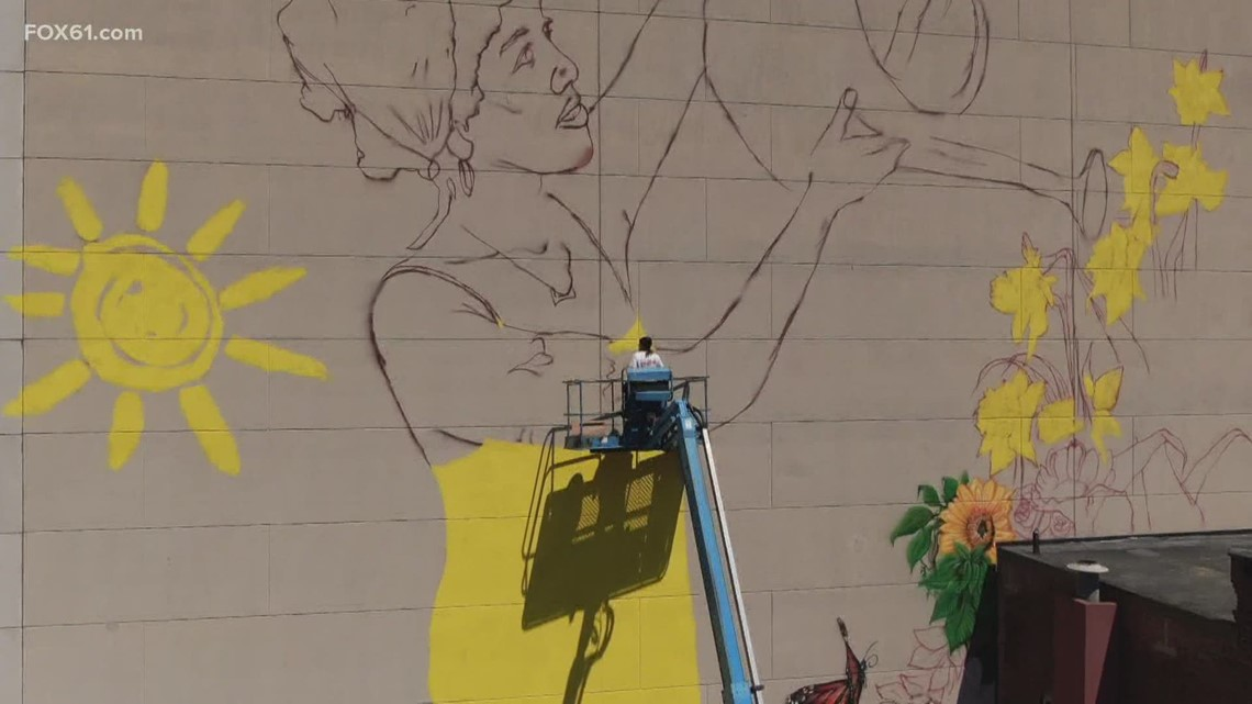 Mega mural in Hartford takes shape
