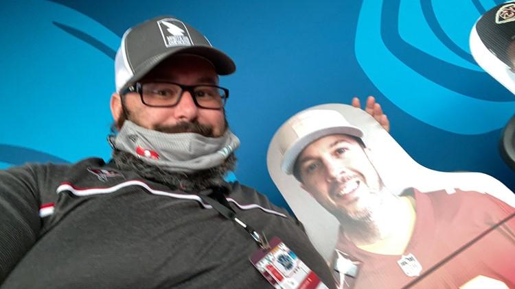 Bucs fan finds his Super Bowl LV cardboard cutout seat neighbor