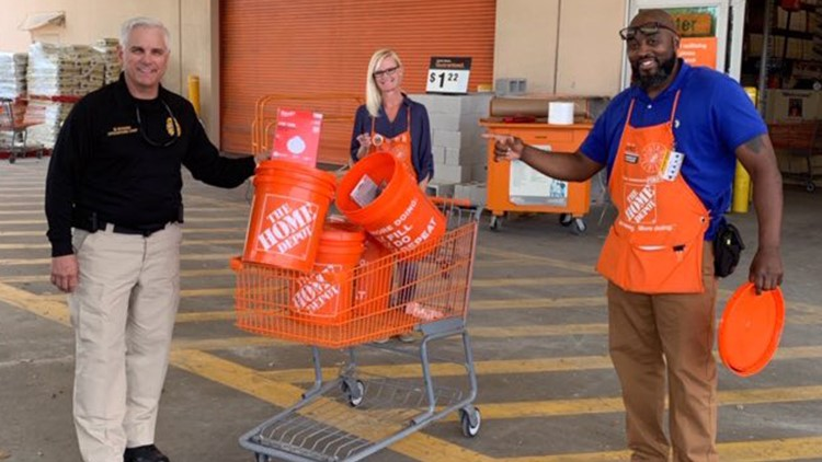 South Tampa Home Depot Donates N95 Masks To Local Ems Workers 5newsonline Com