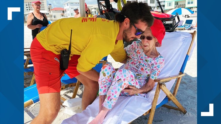 Lifeguards help 95-year-old woman enjoy her beach vacation