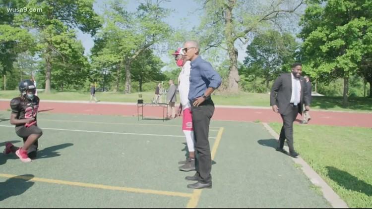 Former President Barack Obama surprises Chicago youth football team   Get Uplifted