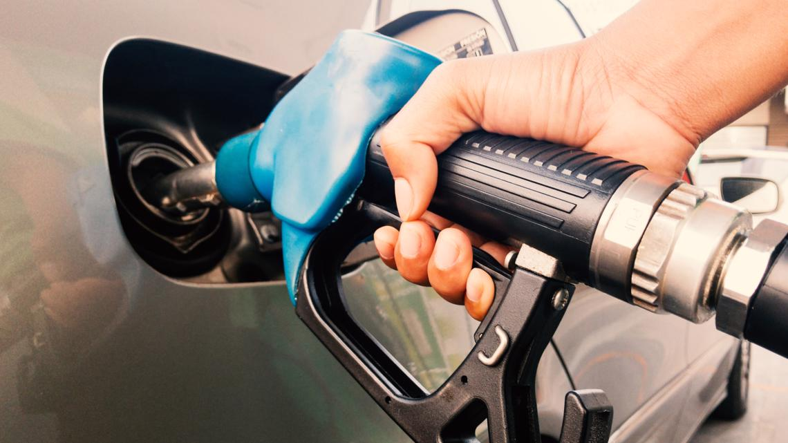 Gas prices could hit $3 a gallon by Memorial Day, energy experts warn