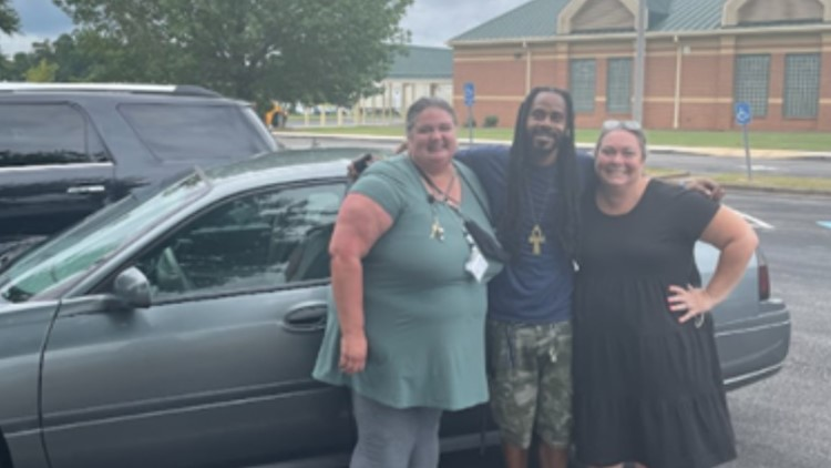 Teachers rally to help buy beloved custodian a car
