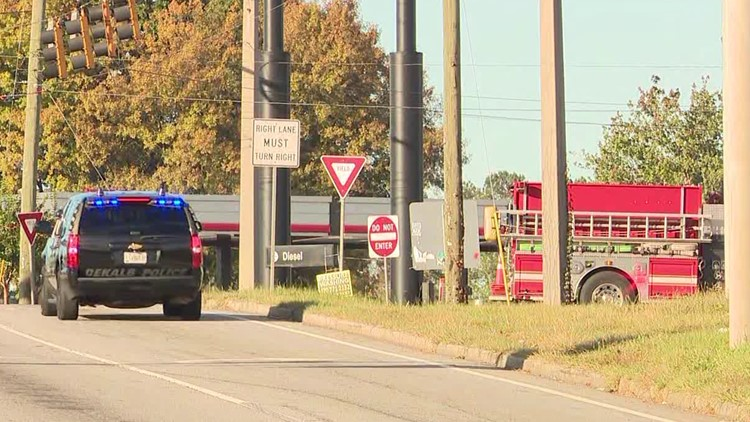 Bomb threat reported at QuikTrip in Doraville, police give all clear