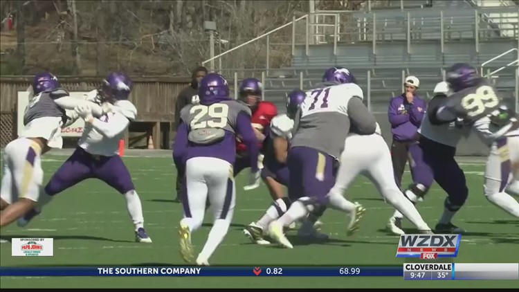 UNA Lions hold first spring scrimmage