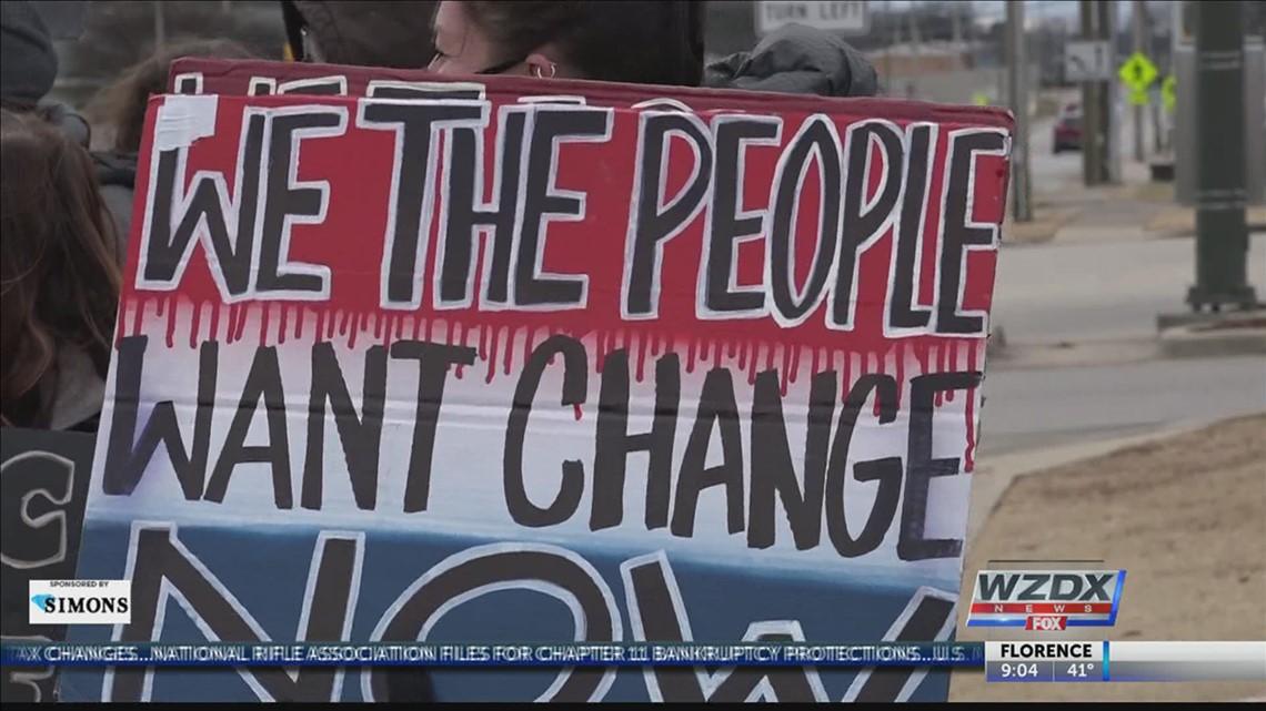 Protest urges Congressman Mo Brooks to resign