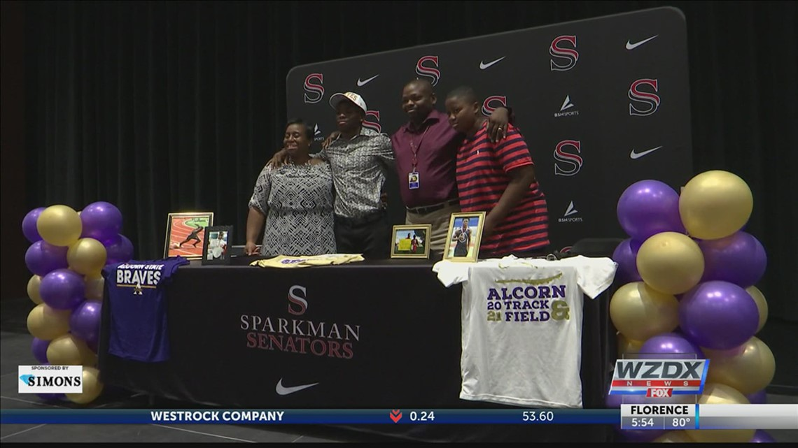 Johnny Holloway III signs National Letter of Intent for Track with Alcorn State