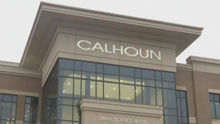 Calhoun offering free training for