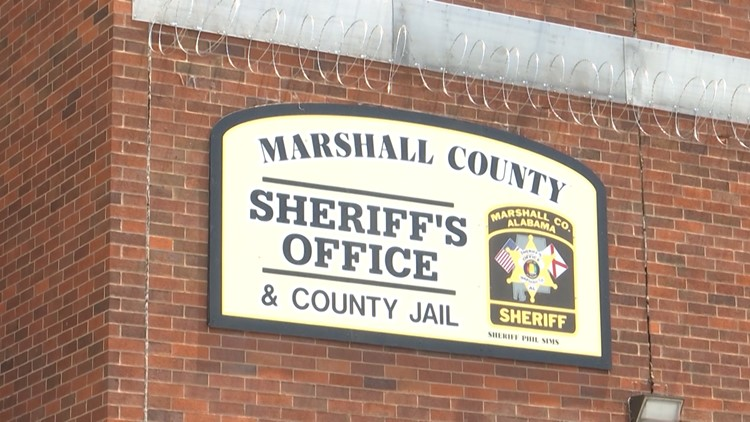 Man in custody after Marshall County police chase
