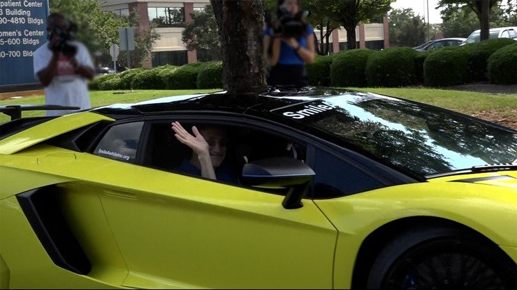Cancer patient gets the ride of his life...in a Lamborghini