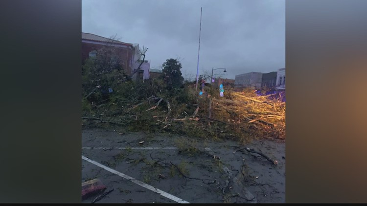 Marshall County experiences damage after early morning storm hits the Tennessee Valley