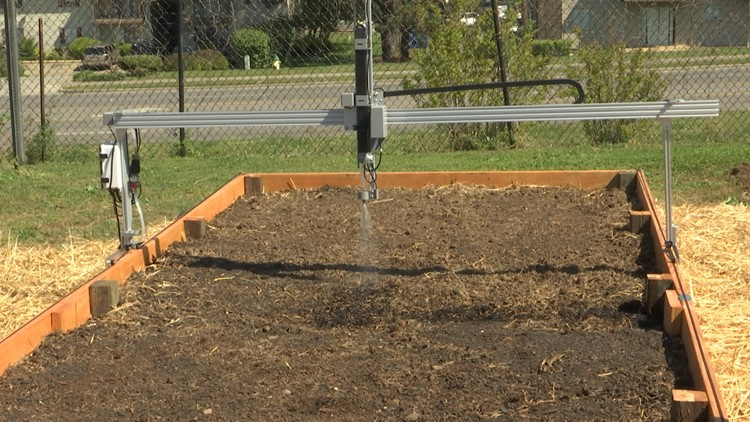 New robotic garden plot debuts at CASA Community Garden