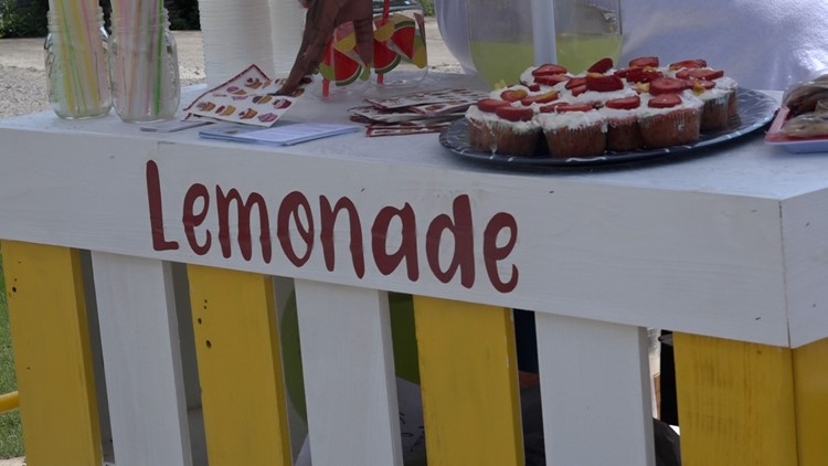 Squeeze the day with fresh lemonade