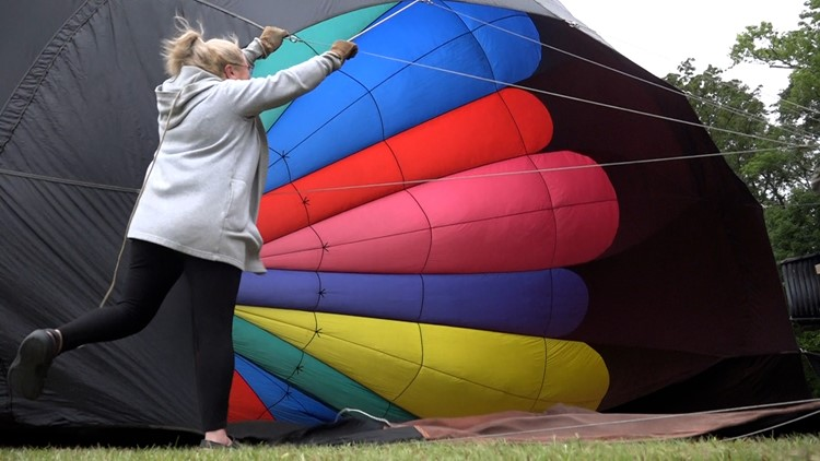 Alabama Jubilee: balloons can't leave the ground, patrons are still entertained