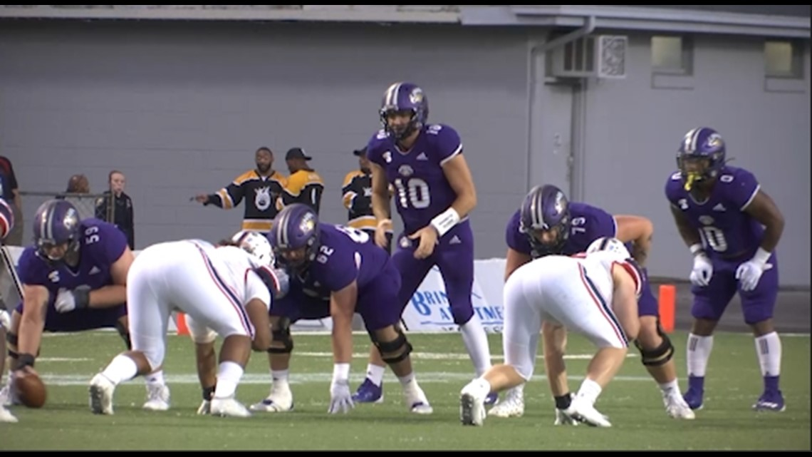 UNA Lions pick up first win of the season with 42-31 victory over Robert Morris