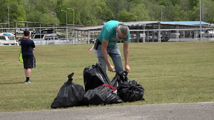 Community 'spring cleans' Ditto Landing park after flooding